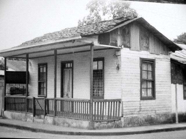 Casa de madera adobe49 - Casas antiguas por dentro ...